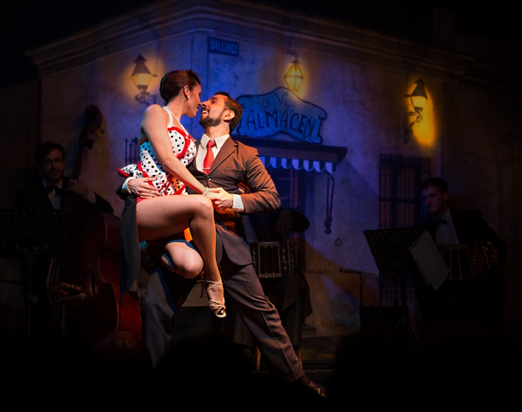 Peter_Rocchiccioli-Tango-At-San-Telmo-Buenos-Aires-10