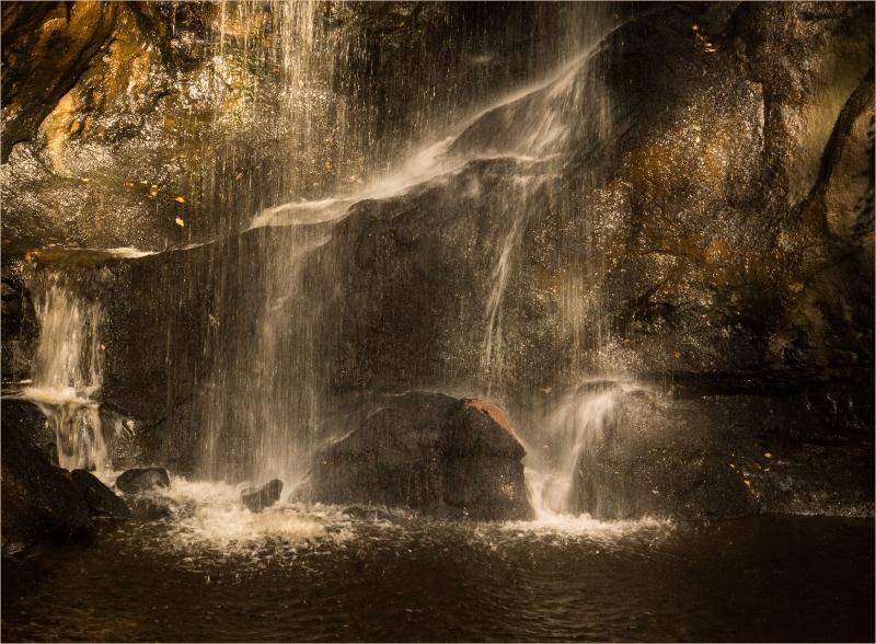 Sarah_Nichol-Golden_Waterfall-10