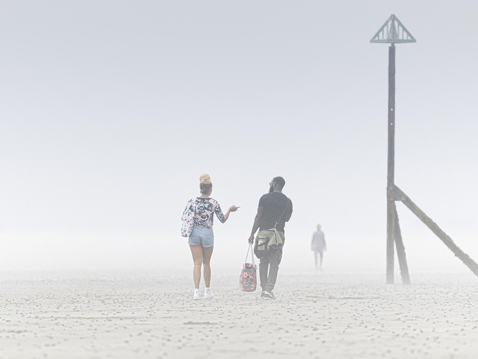 Paul-Adams-Friends-Oblivious-of-Sudden-Sea-Fog-10