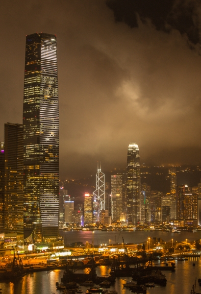 Edgar_Feldmanis-Hong_Kong_Harbour_at_Night-10