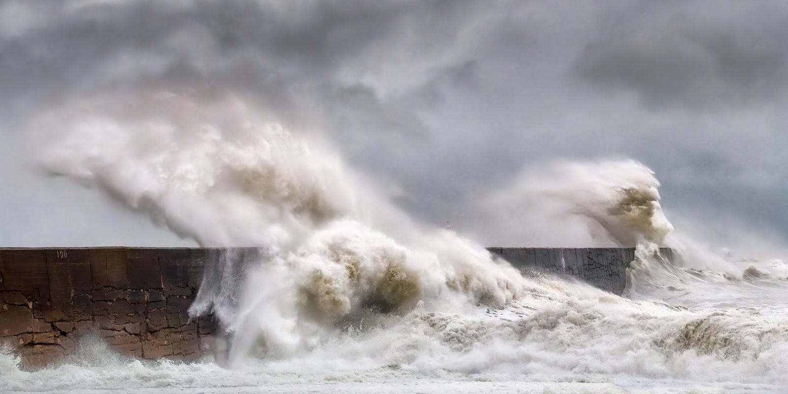 Jim-Munday-Storm-Waves-9