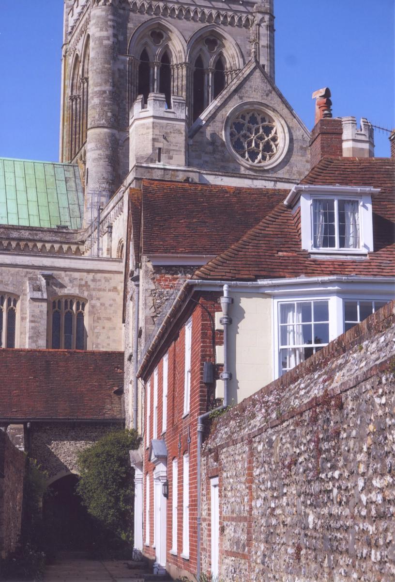 2_9-St-Richards-Walk-Chichester